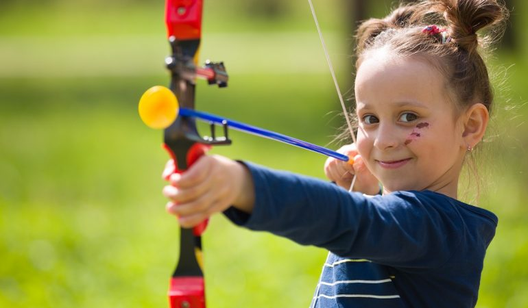 What are The Best Archery Bow and Arrow Sets for Kids Under 8 Years Old?